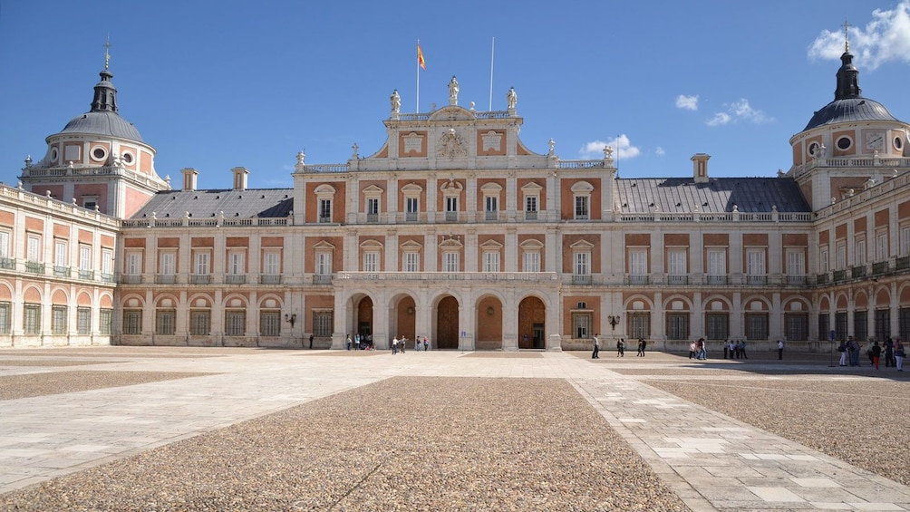 Apri foto 5 di 5. palace in madrid