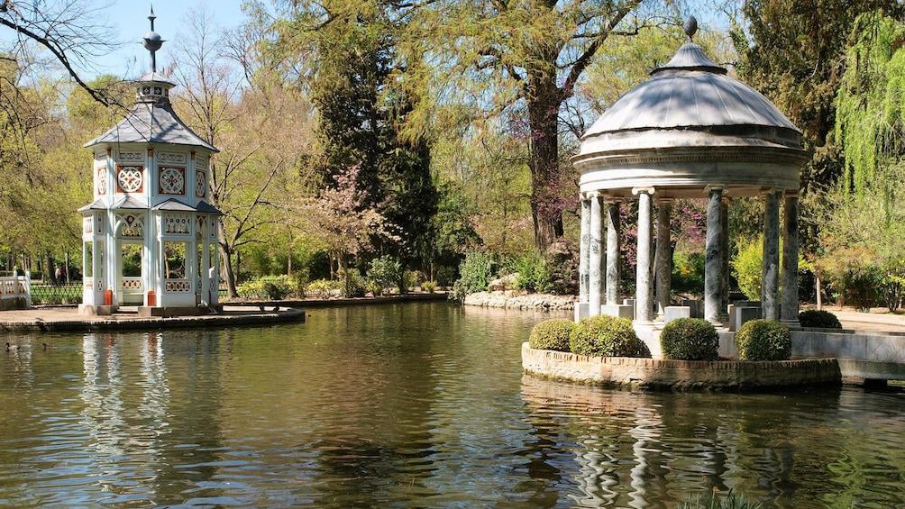 Apri foto 3 di 5. gazebos in pond in madrid