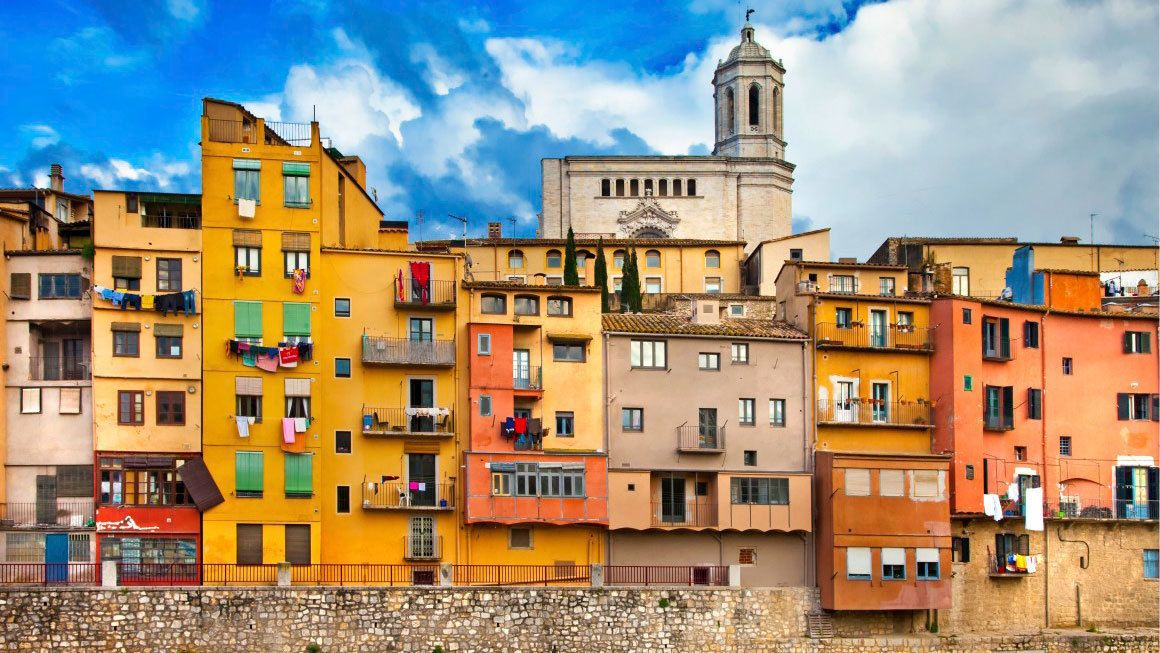 vibrant colored town buildings in Barcelona