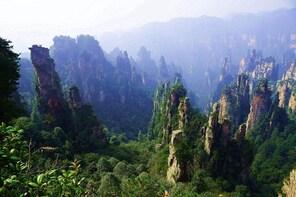 Hunan 6-Day Private Tour to Changsha-Zhangjiajie-Fenghuang with Private Veh...