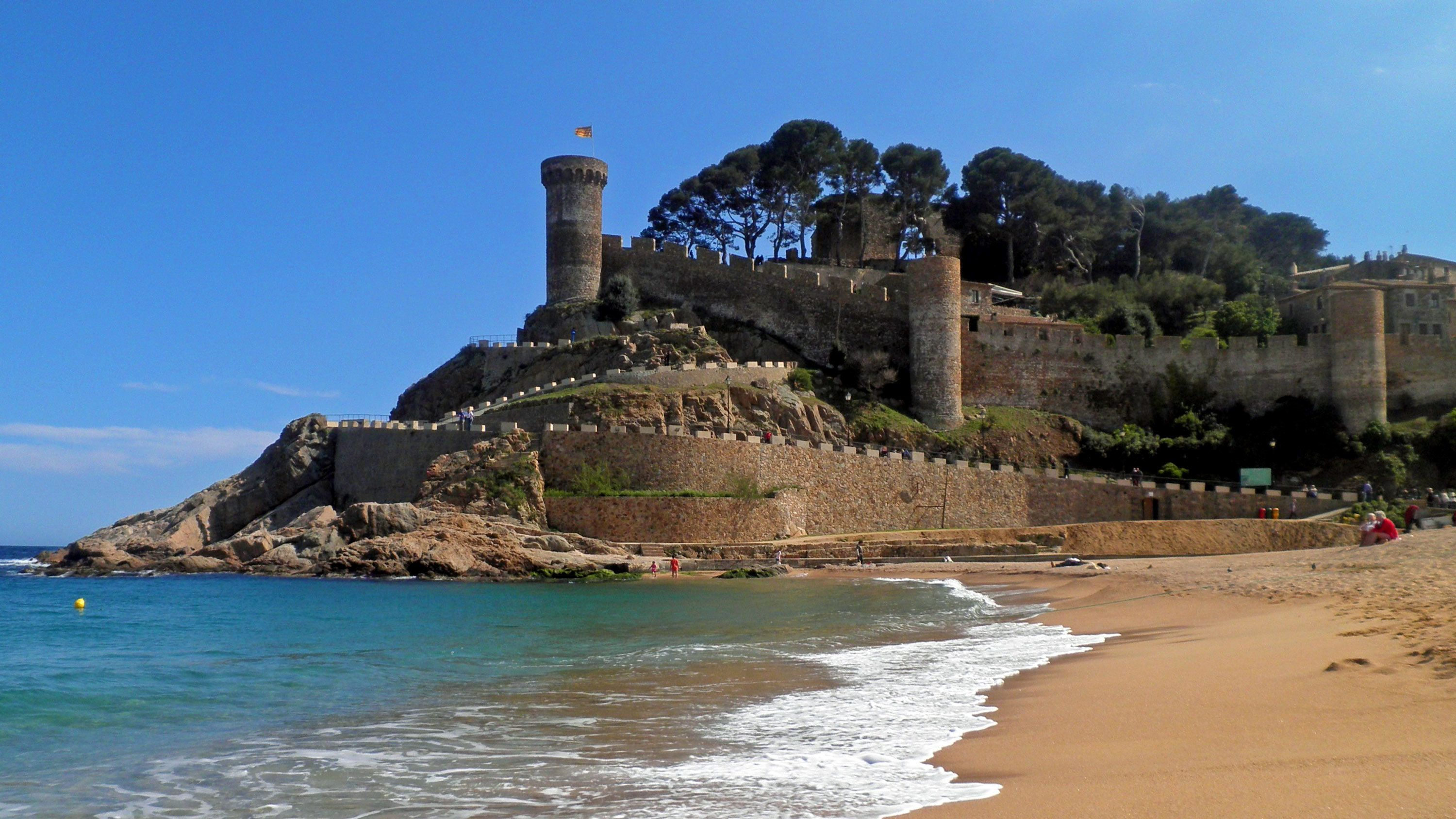 Full-Day Costa Brava Tour: Lloret de Mar & Tossa de Mar with Boat Cruise