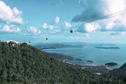 Langkawi Cable Car and Waterfall Tour with Admission Ticket