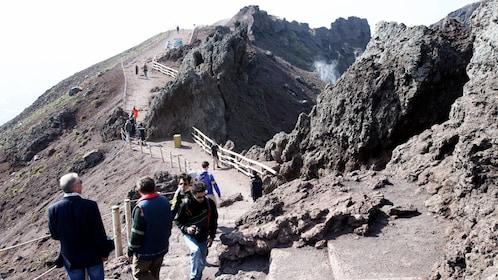 Tourists enjoying the Pompeii & Mount Vesuvius tour in Italy