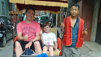 Private Hutong Rickshaw Ride & Dumpling Making