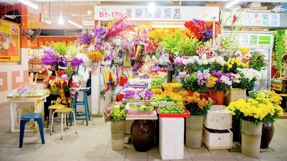 Charger l'élément 4 sur 4. A Hong Kong flower shop