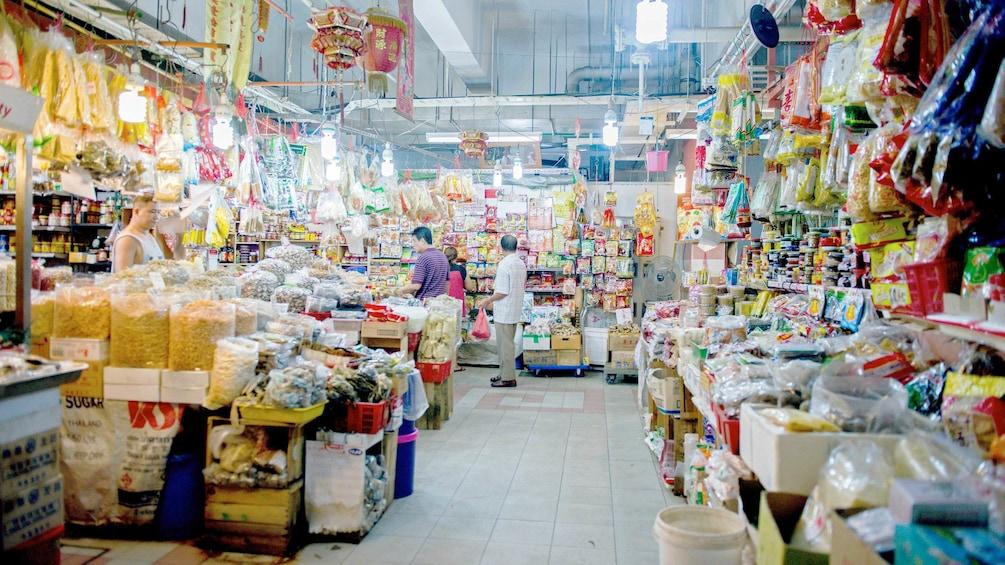Charger l'élément 2 sur 4. A Hong Kong grocery