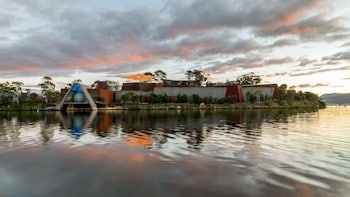 Mona Art & Moorilla Wine Day Trip