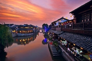 Private Night Tour to Xitang Water Town from Hangzhou