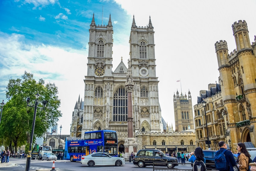Åpne bilde 3 av 10. London Hop-On Hop-Off Bus Tour with Top Attraction Tickets