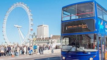 Busstur med hop-on/hop-off och biljetter till de populäraste sevärdheterna ...