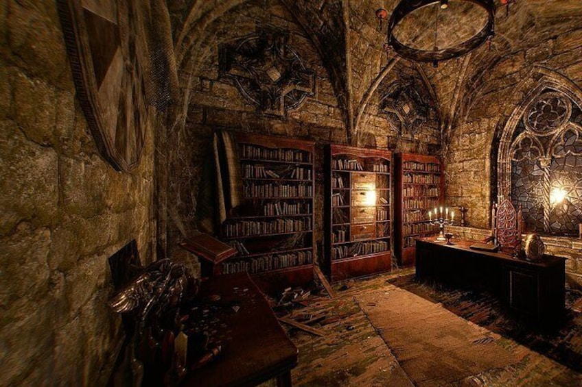 Escape Game in Virtual Reality