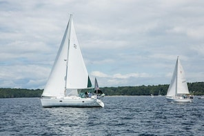 Private Luxury Sailing Yacht Tours On Lake Champlain for Up to 5 Passengers