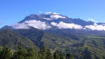 Mount Kinabalu & Poring Rainforest Excursion
