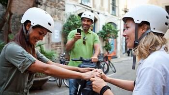 Indlæs billede 8 af 8. woman learning how to balance on a segway in Barcelona