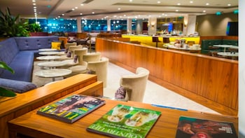 London Gatwick Airport Lounge; No. 1 Lounge (LGW)