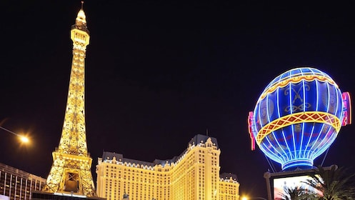 Paris Las Vegas at night