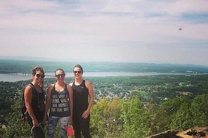 2 Day Hudson Valley Hiking, Wineries, Walkway Over the Hudson, Beacon, NY T...