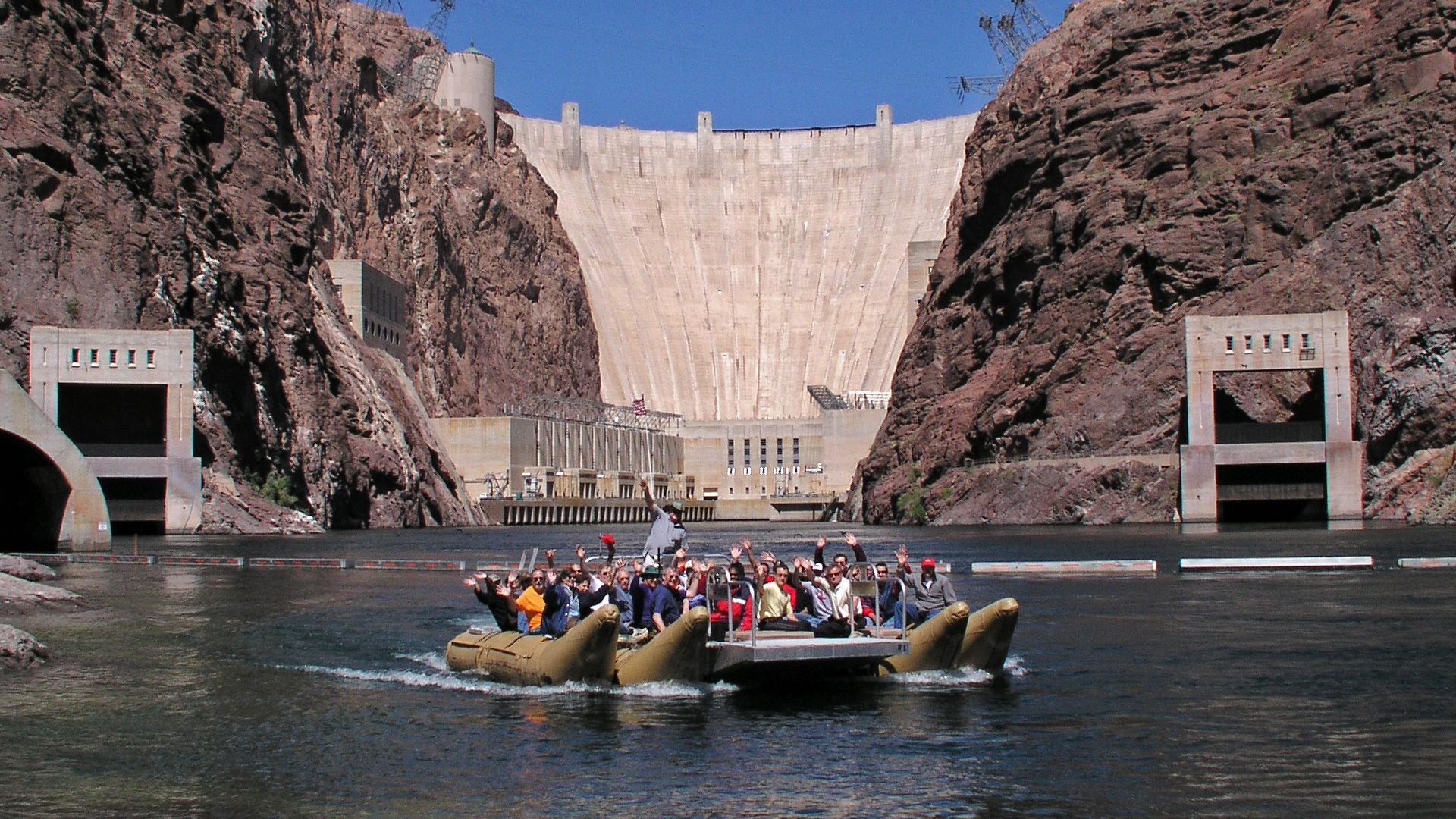 view of hoover dam front river in nevada