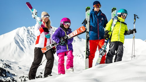 Family ready to enjoy an afternoon on the ski slopes