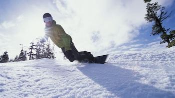 Arc 1800 Snowboard Rental Evolution Package