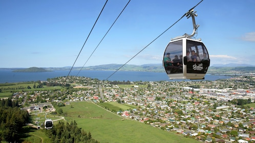 Gondola lift over New Zealand