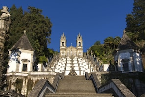 Small-Group Braga & Guimarães Tour with Lunch