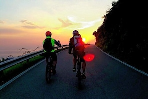 E-bike ride and hiking in the National Park of Cinque Terre