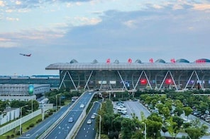 Sunan Shuofang International Airport Private Departure Transfer from Wuxi C...