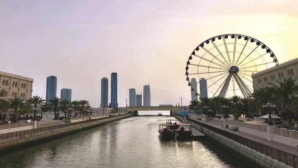 Apri foto 1 di 9. Sharjah City Tour from Dubai  with Gray Line