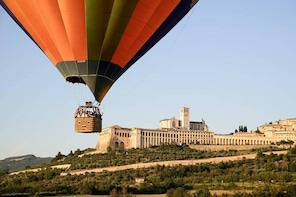 Balloon Adventures Italy, hot air balloon rides over Assisi, Perugia and Um...