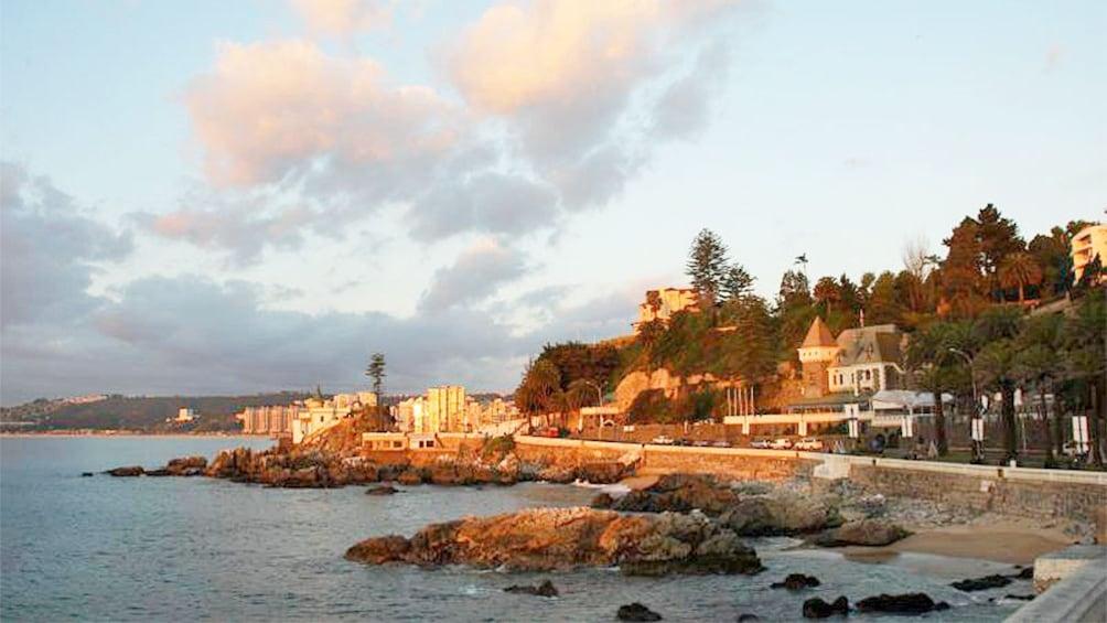 Carregar foto 3 de 6. Coastline in Santiago