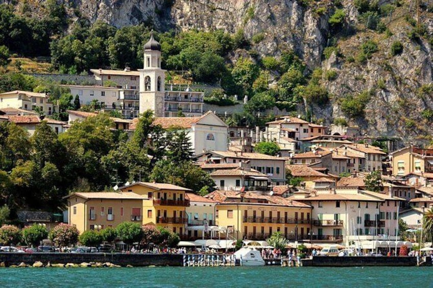 Show item 4 of 10. Guided tour in Limone Del Garda