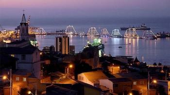 Private Full-Day Tour to Valparaiso & Viña del Mar