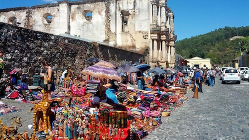 Street vendors in Antigua