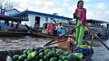 Private Full-Day Mekong Delta Adventure & Cycling Tour