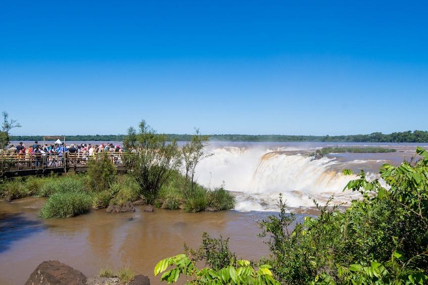 Cargar foto 1 de 9. Iguazu Falls Boat Tour & Jungle Truck Ride