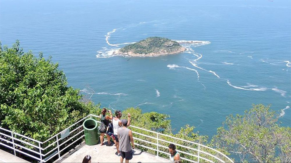 Tourists looking over the city of Rio de Janeiro