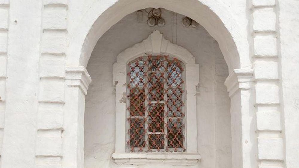 Window of building in Nova Jerusalem