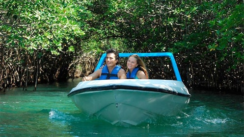 Couple on a speedboat adventure in Cancun