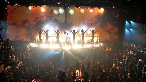Stunning show at Coco Bongo in Cancun