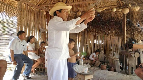 Small Mayan community experience in Cancun