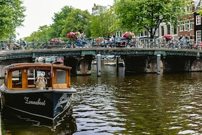 Amsterdam Food & Canals Tour