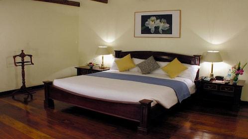 Room at the Royal Palm Hotel on Santa Cruz Island