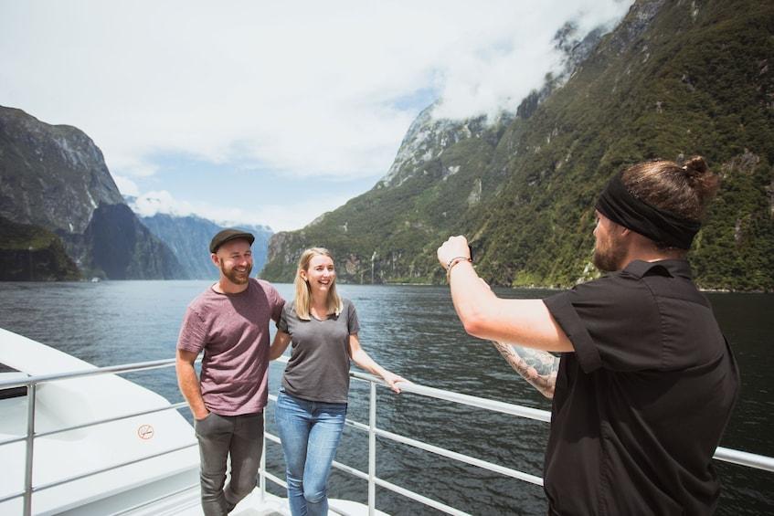 Milford Sound Vista Coach & Cruise Full Day Tour