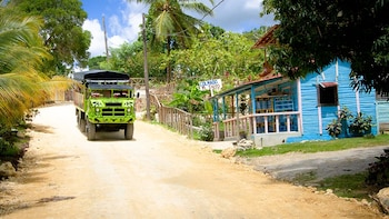 Compay: All-Inclusive Full-Day Countryside Open-Truck Tour