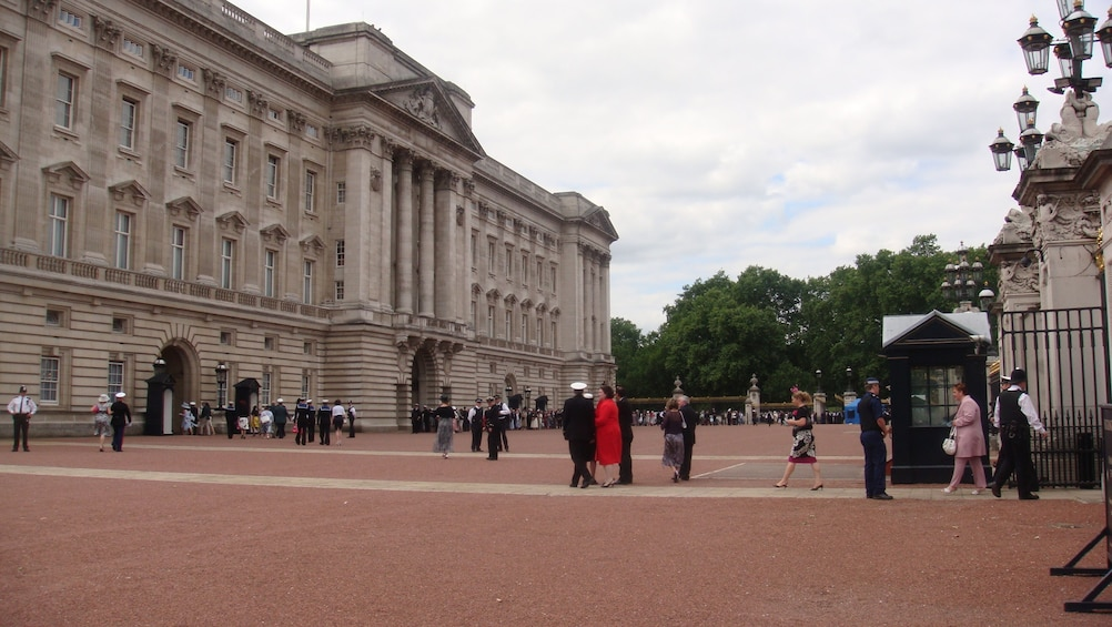 Show item 2 of 9. London Full-Day Private Shore Excursion from Pt Southampton