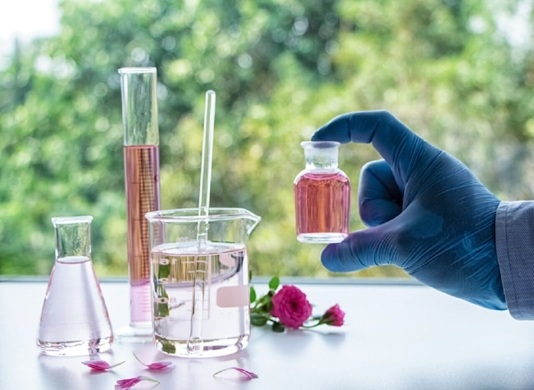 Show item 3 of 4. Virtual Perfume Masterclass: The Italian Scents at Your Home