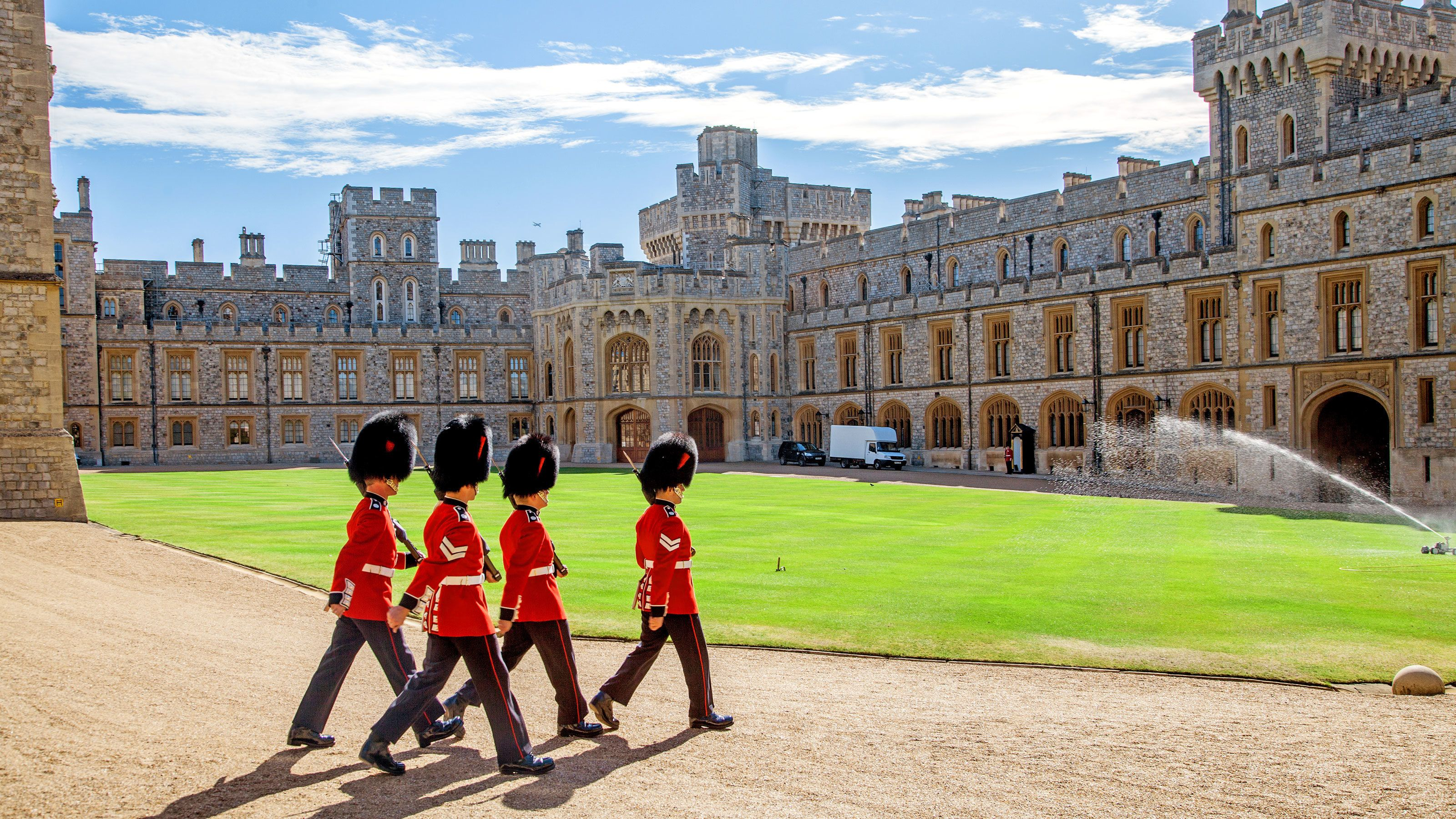 guards marching in the courtyard of Bath in London