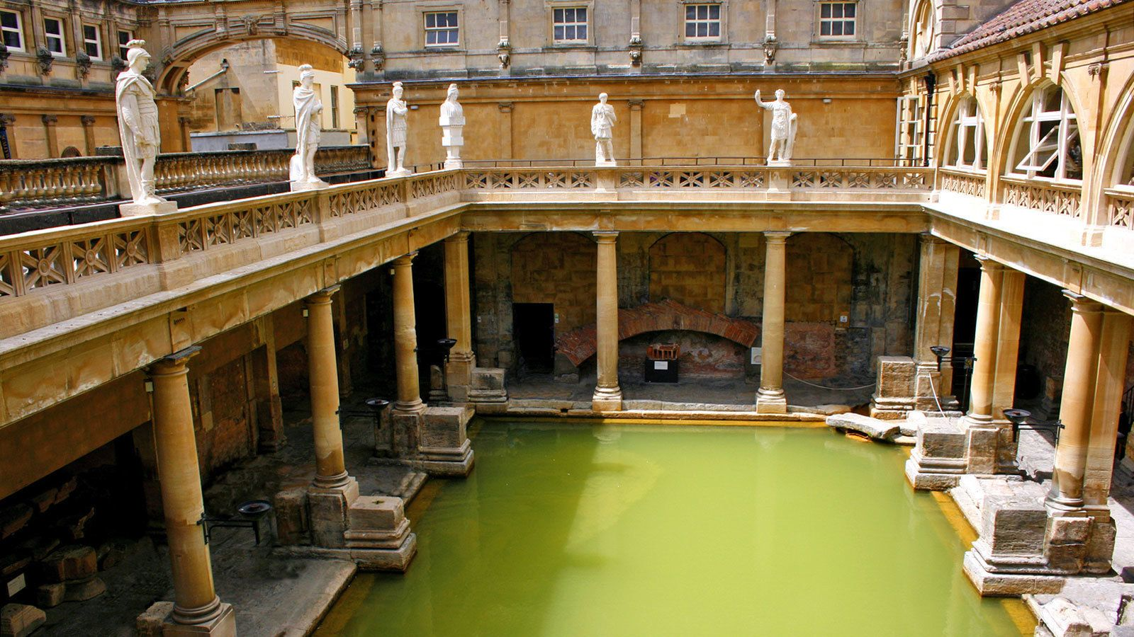 visiting the Stonehenge and bath in London