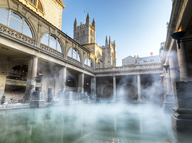 Windsor Castle, Stonehenge, Lacock & Bath Full-Day Tour with Lunch